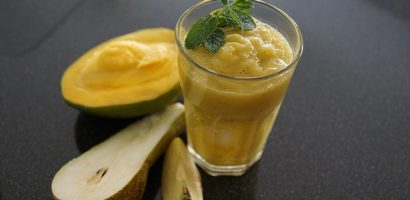 Detox & Weight Loss Recipe 2: Mango and Peach Smoothie
