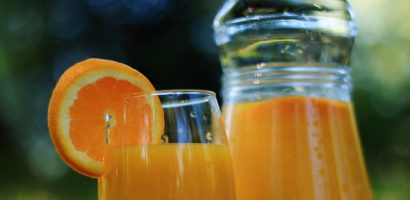 Natural Colon Cleansing Recipe 5: Apple and Orange Juice